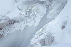 Un ange est passé/An angel passed by/pasó un ángel (para Anda...) (Ceomga) Tags: claudehamel rivière chute waterfall catarata glace neige bijoux stream río nieve hielo ice snow