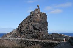 Monumento de la Antorcha Olímpica (Jackie & Dennis) Tags: monumentodelaantorchaolímpica sansebastian lagomera
