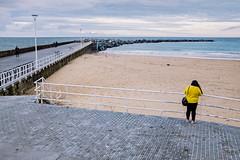 Yellow Jersey (Ktoine) Tags: yellow jersey beach sansebastian pier sea biscay sand people composition street spain spanish