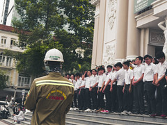 Group photo in Saigon (_lennart_) Tags: group photo pupils students high school opera house color ho chi minh city saigon helmet vietnam urban