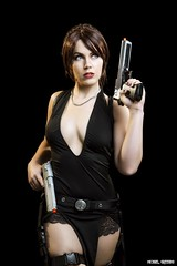 She Charges Into Danger... (Ring of Fire Hot Sauce 1) Tags: cosplay genevievemarie laracroft tombraider wondercon