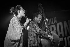Lina Nyberg ja Josef Kallerdahl, Raahe, 2015 (Jukka Piiroinen) Tags: raahenrantajatsit jazz mustavalkoinen blackwhite jazzphotography näyttely exhibition