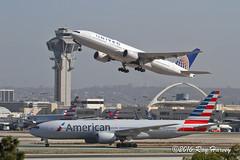 N776AN, N212UA (320-ROC) Tags: americanairlines american unitedairlines united n776an n212ua boeing777 boeing777200 boeing777200er boeing boeing777223er boeing777222 777 777200 777200er 777223er 777222 b772 klax lax losangelesinternationalairport losangelesairport losangeles imperialhill