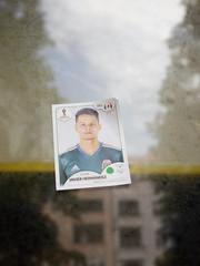 Der Spieler. (Javier Hernández) / 22.06.2018 (ben.kaden) Tags: berlin friedrichshain frankfurterallee javierhernández fusballweltmeisterschaft2018 2018 22062018