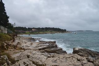 Tamna, oblačna plaža u Puli na Novoj godini (100D3100_9129)
