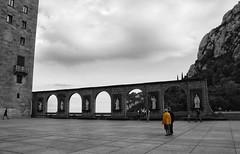 . (Diana. Obr) Tags: monastery spain grayyellow grayandyellow blackandwhite bw byn clouds person yellow church landscape