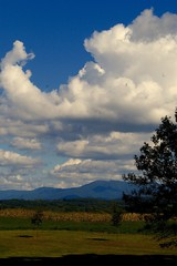 The Shenandoah Valley (Blue Phthalo) Tags: pa pennsylvania nc northcarolina wv westvirignia va virginia roadtrip shenandoahvalley mountains clouds