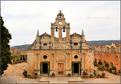 Monastère d'Arkadi_1 (arno18☮) Tags: arkadi monastère crète grèce pierre rouge église chapelle