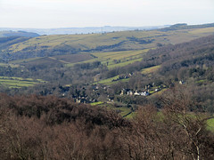 Grindleford from Surprise View, March 2018 (Dave_Johnson) Tags: surpriseview surprise view peakdistrict nationalpark peaks hills derbyshire longshaw longshawestate hopevalley grindleford village valley upperpadley