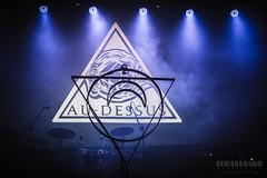 Au-Dessus