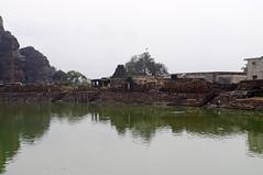 Images de Badami, Karnataka, Inde (voyagesphotos) Tags: inde india karnataka badami temple religion hindouisme hindou hindu lac eau