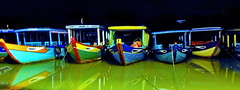 Hoi An Old Center Sleepy boats (gerard eder) Tags: world travel reise viajes asia southeastasia vietnam centralvietnam boote boats barcas night noche nikon nightviews nacht wasser water outdoor hoian