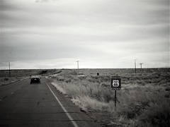 On the road. (France-♥) Tags: 1728 roadtrip historicroute66 arizona usa noiretblanc car voiture route road ontheroad iconichwy us66