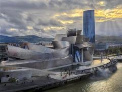 Museo Guggenheim (jetepe72) Tags: museo guggenheim bilbao anochecer ria pais vasco