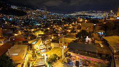 Comuna 13 (The French Travel Photographer) Tags: ©sébmar ameriquelatine colombie 9landscape medellin 11moissurlaroutefbookpage photodenuit 9architecture instasebas favela poselongue flickrcomsebmar americalatina latinamerica pauselongue vitesselente medellín antioquia co