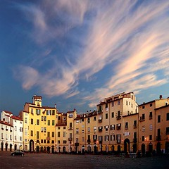 morning light (sculptorli) Tags: lucca cityscape italy italia piazza alba sunrise sky cloud tuscany toscana architecture