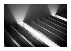 Interior amb ritme III / Inner with rhythm III (ximo rosell) Tags: ximorosell bn blackandwhite blancoynegro bw buildings arquitectura architecture abstract abstracció llum luz light llums interiors interiores nikon d750