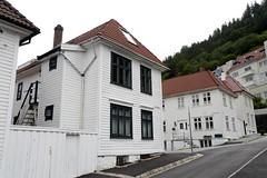 Bergen (Atila Yumusakkaya) Tags: bergen yumusakkaya europe norway white