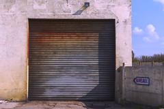 Bureaux (desks) ! (JLM62380) Tags: bureaux desks volet métallique metalic shutter garage france leportel