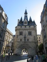 Porte Cailhau from Quai Richelieu, Bordeaux, France (Paul McClure DC) Tags: bordeaux france gironde nouvelleaquitaine july2017 historic architecture