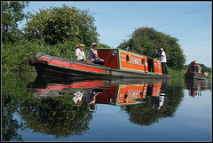 Rally reflections..... (Jason 87030) Tags: nb pacific no4 stewarts vintage classic historic red water composition view scene people woman man peeps canal cut guc grandunioncanal event rally june 2018 braunston reflect northants northamptonshire duckeye frame border