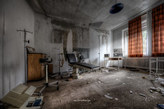 Doctor Doctor ...please (Fine Art Foto) Tags: urbex artfoto gestern dream wwwfineartfotocom urban exploration urbexart urbandecay lost place lostplaces lostplace decay decaying discard discarded old oblivion alt abandoned forgotten vergessen verlassen derelict aufgegeben rotten verottet sony a7 riii doktor arzt landflucht praxis doctor medical medicin