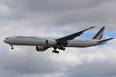Here is Air France F-GZNO (shumi2008) Tags: airfrance airfrance777 b77w b777 b777300er skyteammember torontopearson pearsonairport yyz cyyz