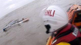Porthcawl RNLI rescues windsurfer with a snapped mast