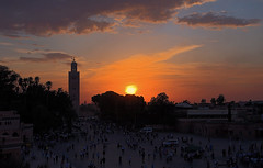 Koutoubia at sunset (JLM62380) Tags: sunset koutoubia morocco maroc place coucherdesoleil mosque mosquée placejemaaelfna