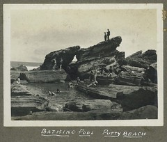 Bathing Pool, Putty Beach, N.S.W. (maitland.city library) Tags: newsouthwales fred harvey putty beach sea seaside bathing swimming ocean pool