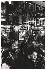 Street Photography - London (BRUNO GUERRA Imagem) Tags: fujifilm fuji x100 x100f bw blackandwhite pretoebranco pb monochrome monochromatic streetphotography street photography photographer photo foto fotografia fotógrafo rua london londres uk reinounido unitedkingdom england chinatown brunoguerra brunoguerraimagem pernambucano brasileiro brazilian bgi crowd city cidade walk