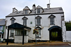 100615-530F (kzzzkc) Tags: nikon d7100 unitedkingdom uk ireland old white hotel rundown chimney chippedpaint