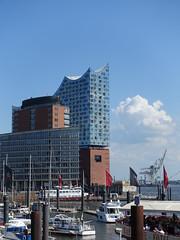 201805070 Hamburg (taigatrommelchen) Tags: 20180521 germany hamburg sky river elbe harbour icon sight city building ship