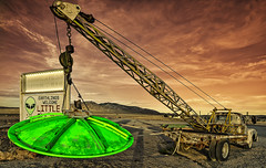 UFO Recovery Vehicle (magnetic_red) Tags: ufo alien extraterrestrial area51 truck tow sign rachelnevada spaceship sky clouds sunset