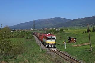 753 109 mit Fotozug in Polomka (SK)