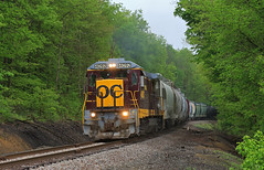 Climbing up hill (GLC 392) Tags: zvl zanesville local oh ohio ge b237r super 7 port authority ohcr oc central railroad railway train woods up hill wet 4092 sonora