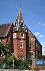 Newbury Hall School (Canis Major) Tags: newburyhallschool newbury berkshire boardingschool housing broadband