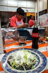 sope en Coyoacan (L Urquiza) Tags: mercado coyoacan antojitos mexico ciudad de merco cdmx comida típica traditional