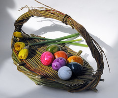 the Cuckoo's Egg - Happy Easter (claude05) Tags: egg basket easter golf