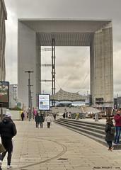 La Grande Arche, Paris, La Défense, France (Phil du Valois) Tags: grandearche ladéfense grande arche paris france monument