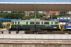 PKP EP07-442 (gooey_lewy) Tags: pkp class ep07 bobo electric locomotive dc green livery special train polskie koleje państwowe polish state railways trains express intercity 442 ep07442 szczecin główny railway station building european europe