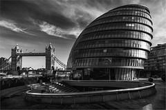 London. DSC_3026 (leonhucorne) Tags: nb london londres angleterre england grandebretagne greatbritain tower bridge city urban travel escapade noir blanc nikon d750 fullframe
