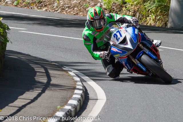 Isle of Man TT 2018: Supersport Race 2