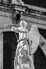 Arcángel San Miguel (michael_hamburg69) Tags: madrid comunidaddemadrid spanien es spain españa espagne santamaríalarealdelaalmudena church kirche cathedral kathedrale arcángelsanmiguel erzengel michael arangel ange engel angel sculpture male skulptur