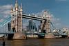London (Tuomo Lindfors) Tags: london england unitedkingdom yhdistynytkuningaskunta isobritannia dxo filmpack lontoo towerbridge thames joki river greatbritain vesi water silta bridge