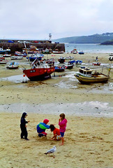 St. Ives harbour, Cornwall, 19th July (Linda 2409) Tags: seaside children beach harbour fishingboats lowtide seagull sand