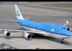 B747-406/M   KLM   PH-BFS   HKG (Christian Junker   Photography) Tags: nikon nikkor d800 d800e dslr 70200mm aero plane aircraft boeing 747406m 747400m 747400 747 74m 74e b744 klmroyaldutchairlines royaldutchairlines kl klm kl887 klm887 phbfs skyteam cityofseoul seoul heavy widebody jumbo combi arrival taxiing airline airport aviation planespotting 28195 1090 281951090 fs036 hongkonginternationalairport cheklapkok vhhh hkg clk hkia hongkong sar china asia lantau regalairporthotel christianjunker flickraward flickrtravelaward zensational hongkongphotos worldtrekker superflickers