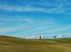 Minimal a Triboli (Darea62) Tags: landscape minimal nature valdorcia skyscape tuscany panorama paesaggio unesco hills sky clouds sanquiricodorcia triboli toscana fields waves sigma