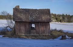 Anyone home? (My Photolifestyle) Tags: fallfärdigthus hus house