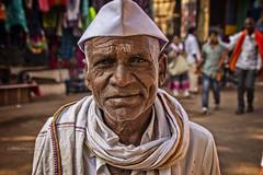 GOKARNA : PORTRAIT DE RUE (pierre.arnoldi) Tags: inde india pierrearnoldi photographequébécois karnataka gokarna portraitdhomme portraitsderue photoderue photooriginale photocouleur photodevoyage on1photoraw2018 canon6d objectiftamron